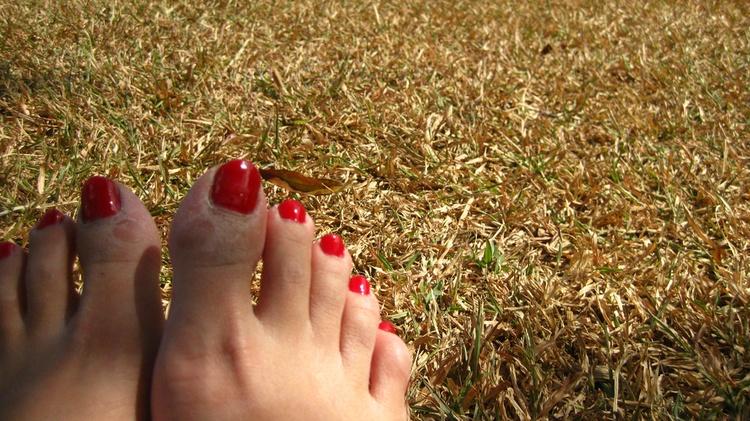 Чем лечить сухую мозоль на мизинце ноги